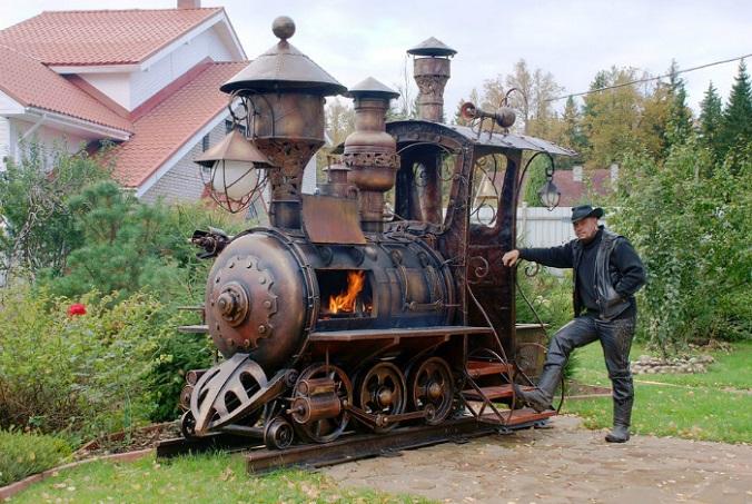 Уникальный гриль в виде локомотива