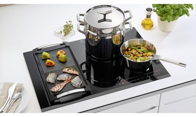 Cвобода движений на кухне вместе с новой варочной поверхностью InfiFlex от Electrolux