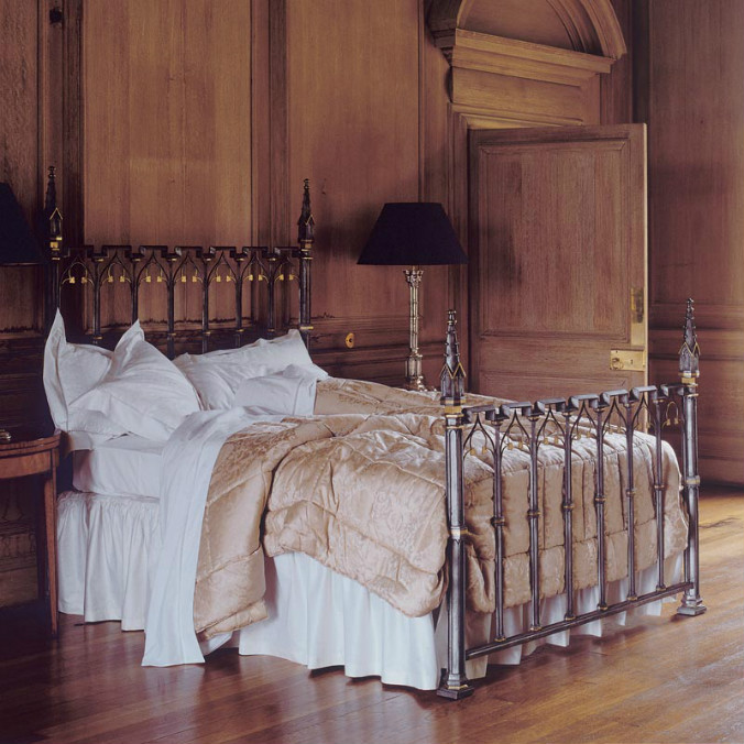 pugin_bed_id21_1.jpg