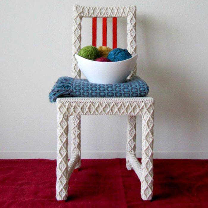 Chair-in-a-white-knitted-cover_7.jpg