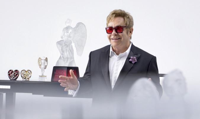 Elton-John-interview-copyright-Gilles-Pernet
