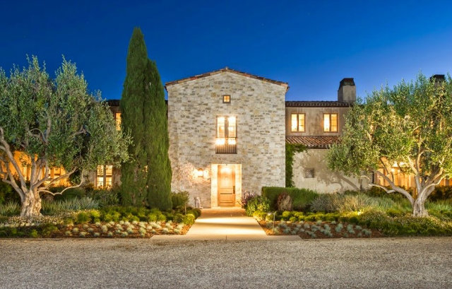 Famous-Mansions-in-Los-Angeles-Lady-Gaga-4
