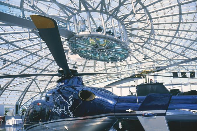 lowres_00000029530-hangar-7-company-red-bull-at-salzburg-airport-oesterreich-werbung-Diejun