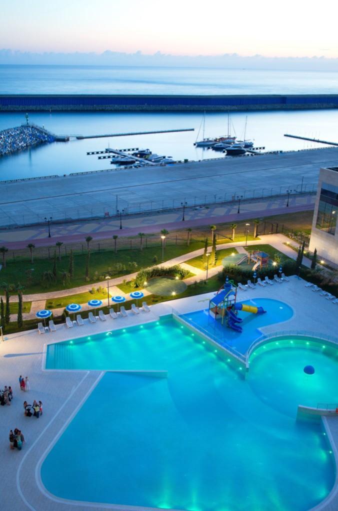 Radisson Blu Resort & Congress_Swimming pool and sea view