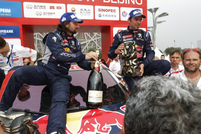 Team_PEUGEOT_Total_wins_SilkWayRally (2)