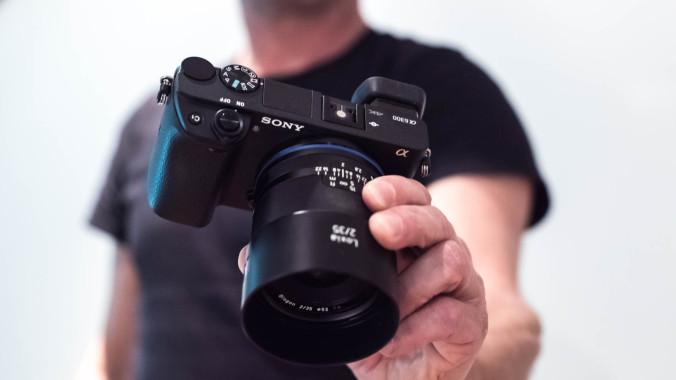 Sony-a6300-1