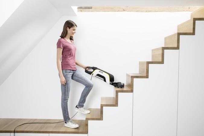 VC_5_stairs_white_app_1_CI15-101105-300DPI