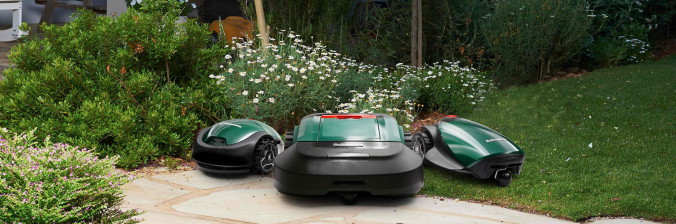 Robomow group picture - RS, RC, RX in the garden - копия