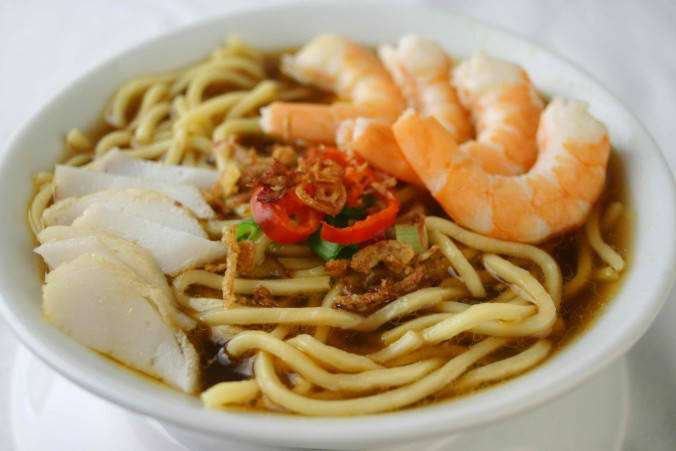 Prawn Noodles - topped with fishcake slices, prawns & chilli