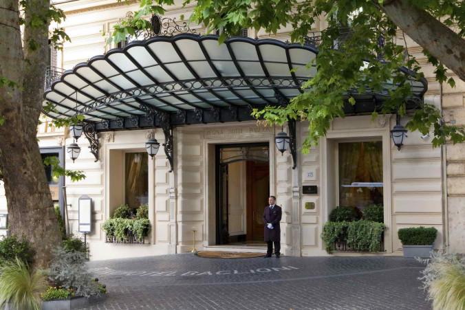 Exterior_Baglioni_Hotel_Regina_CR. Moreau
